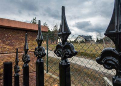 brama-wjazdowa-przesuwna-pol-bram-szczegol