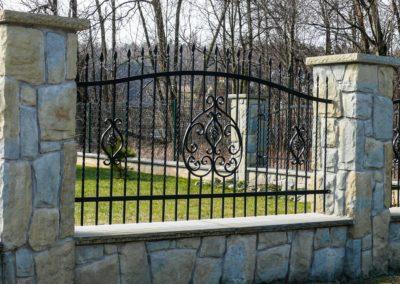 przeslo-ogrodzeniowe-pol-bram-czarne-klasyczne