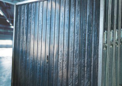 brama-garazowa-grafit-panel-pionowy